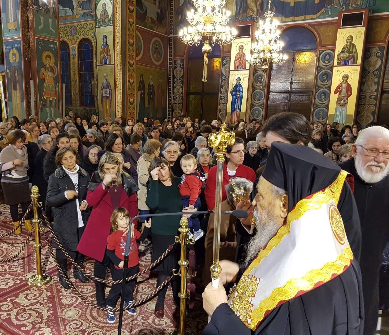 Euxelaio Xristougenna 2017 1 - Ευχέλαιο στον Ιερό Ναό του Αγίου Νικολάου στη Λάρισα