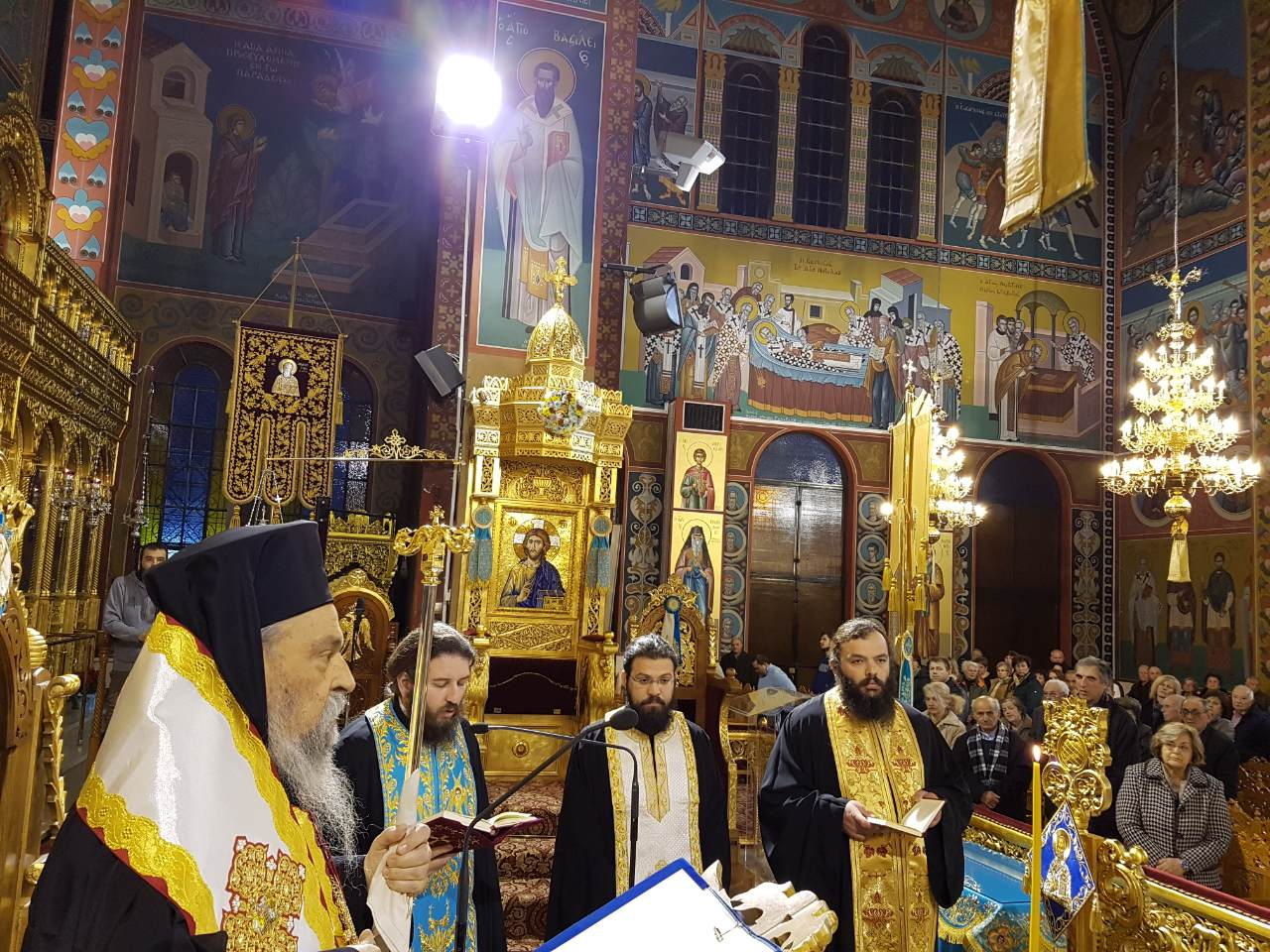 Euxelaio Xristougenna 2017 2 - Ευχέλαιο στον Ιερό Ναό του Αγίου Νικολάου στη Λάρισα