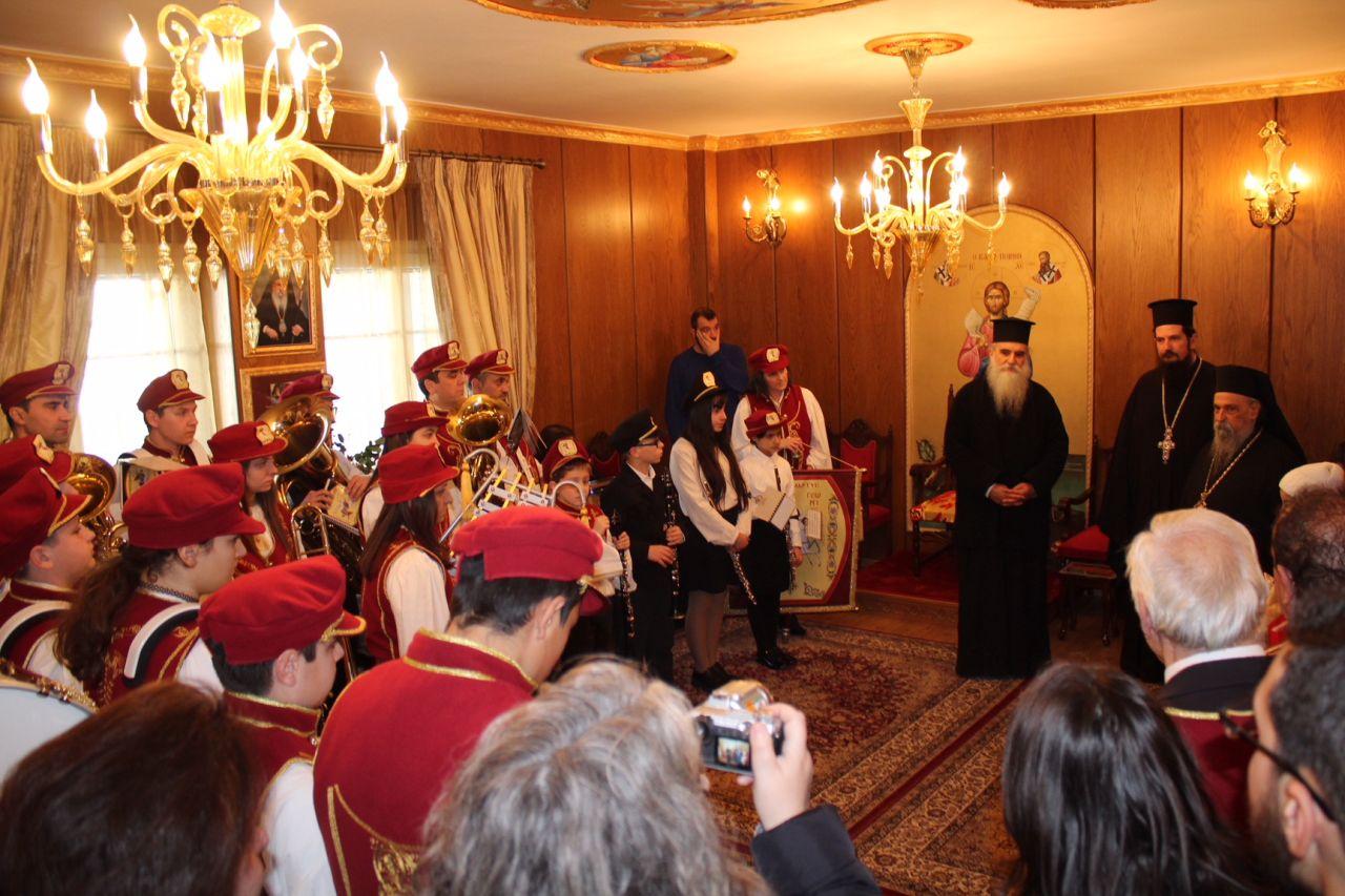 kalanta xmas 2017 9 - Έψαλλαν τα κάλαντα στον Σεβασμιώτατο Μητροπολίτη Λαρίσης & Τυρνάβου κ. Ιγνάτιο (Φώτο)