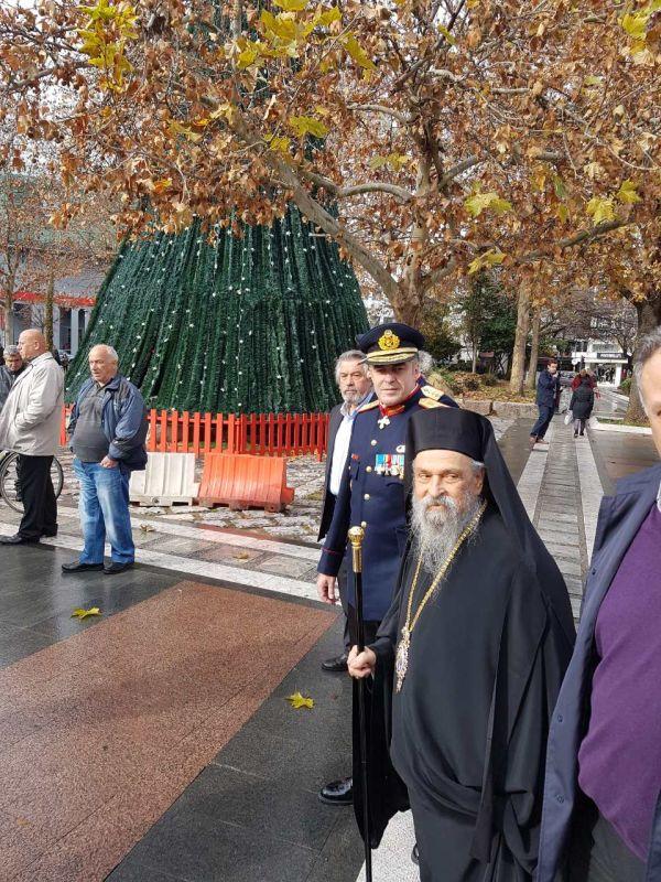 madenlidis pyrosvestikis 27 - O Σεβασμιώτατος ευλόγησε την εντυπωσιακή επίδειξη από την Πυροσβεστικής Υπηρεσίας Λάρισας
