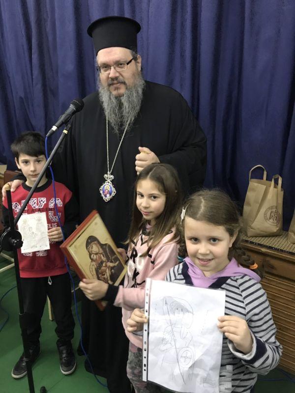sxolia tirnavos 5 - Σε σχολεία του Τυρνάβου ο Σεβασμιώτατος (φωτ.)