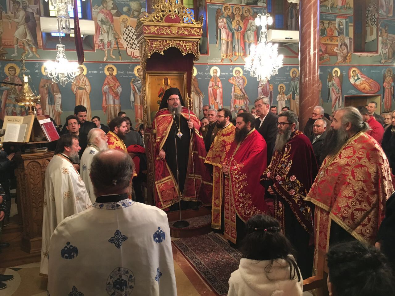 AgXaralampos Nikaia 2019 4 - Στον πανηγυρικό εσπερινό του Αγίου Χαραλάμπους Νικαίας ο Σεβασμιώτατος