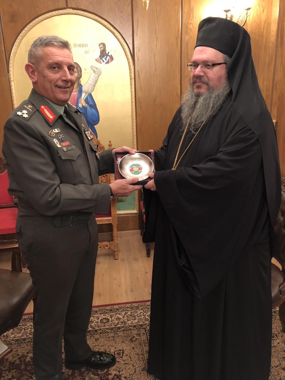 dktis 1iStratia floros 4 - Στον Σεβασμιώτατο ο νέος διοικητής της 1ης Στρατιάς