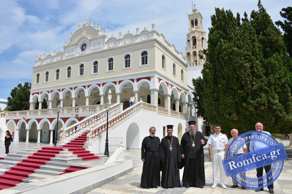 tinos 2019 51 - Στην Παναγία της Τήνου οι Λαρισαίοι προσκυνητές. (φωτο)