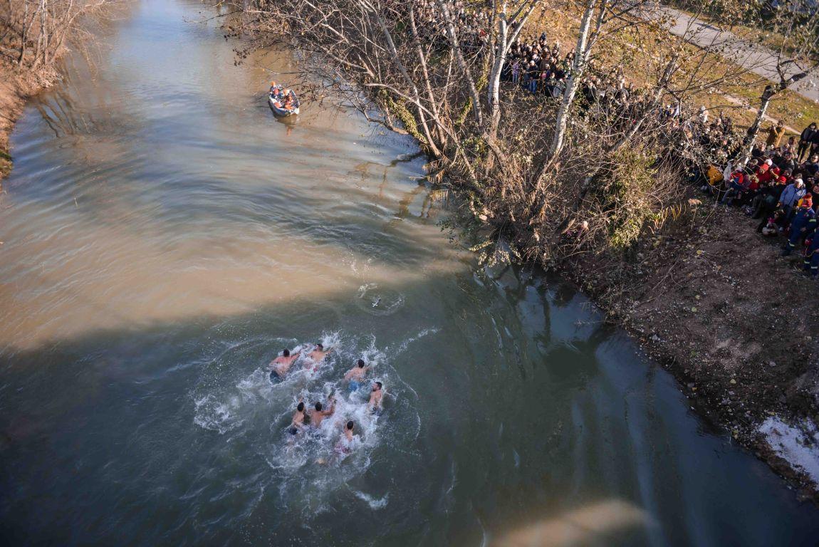 theofaneia 2020 11 - Θεοφάνεια στον Άγιο Αχίλλιο και Αγιασμός των Υδάτων του Πηνειού ποταμού