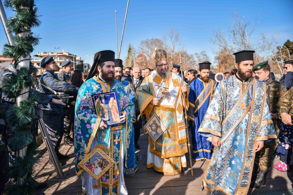 theofaneia 2020 18 - Θεοφάνεια στον Άγιο Αχίλλιο και Αγιασμός των Υδάτων του Πηνειού ποταμού