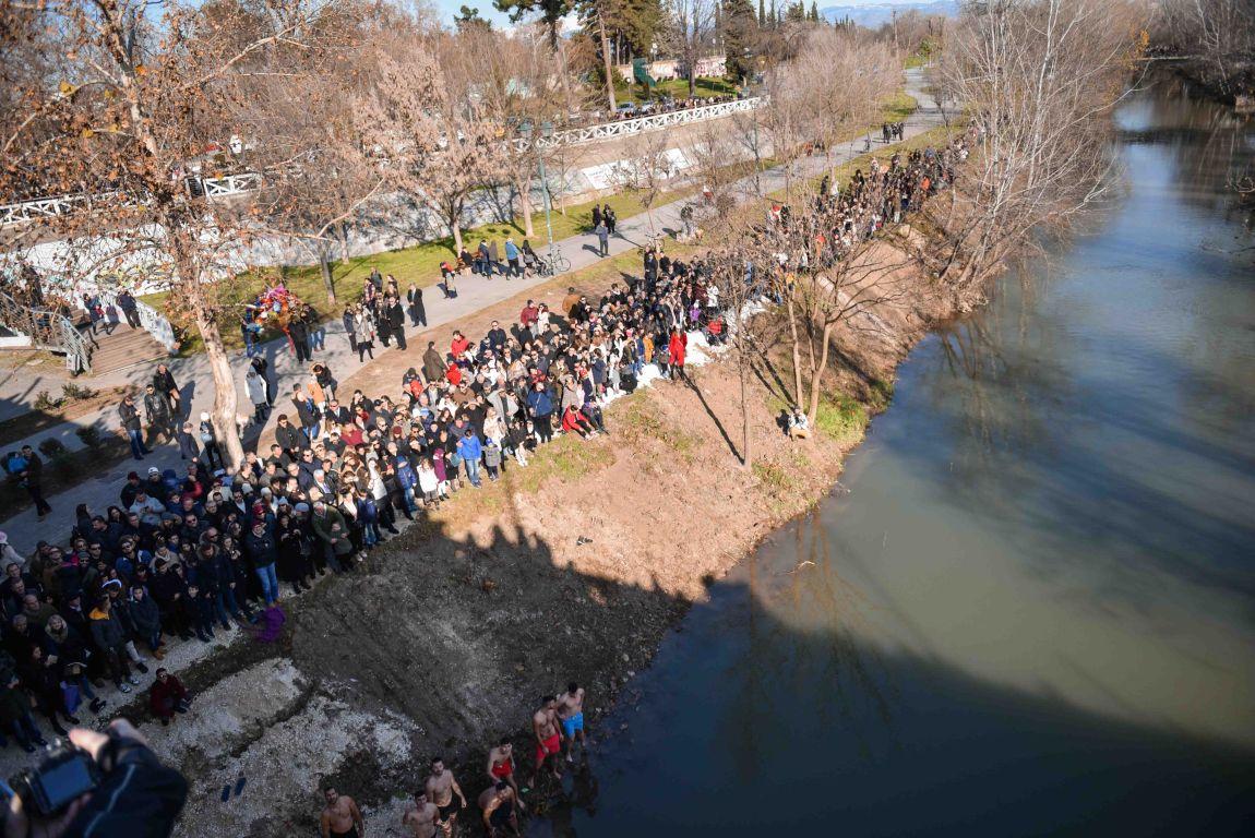 theofaneia 2020 4 - Θεοφάνεια στον Άγιο Αχίλλιο και Αγιασμός των Υδάτων του Πηνειού ποταμού