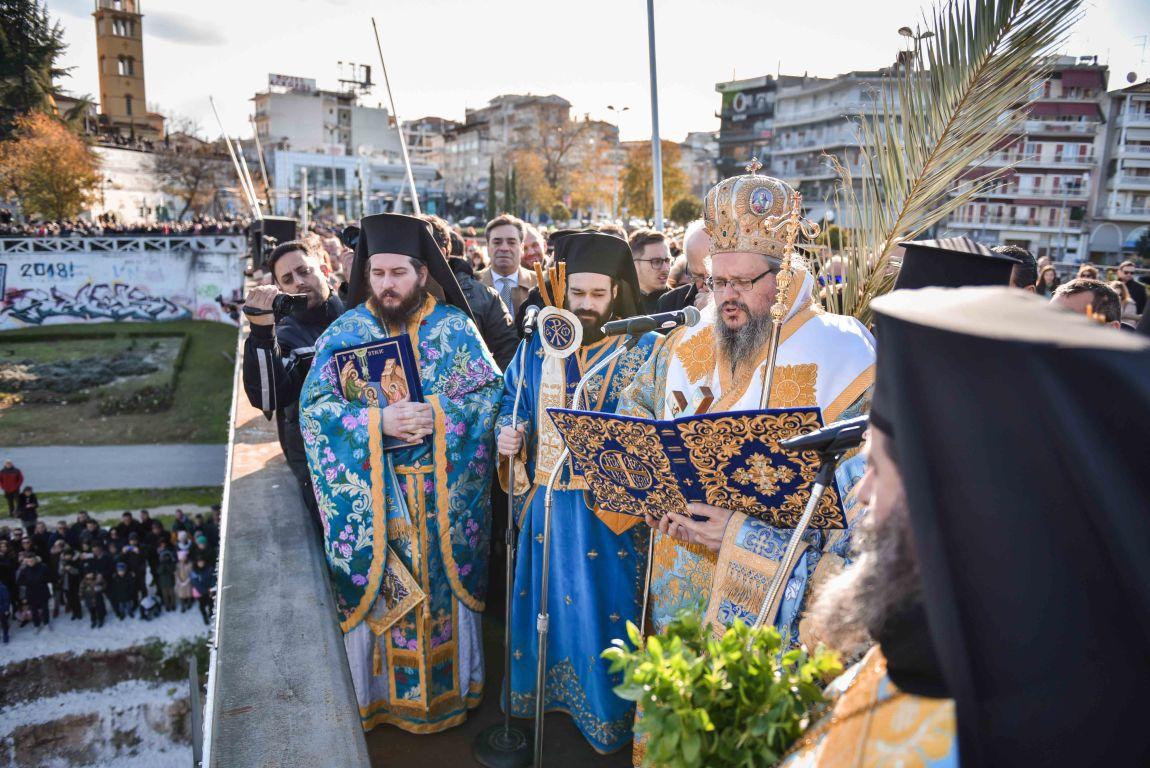 theofaneia 2020 7 - Θεοφάνεια στον Άγιο Αχίλλιο και Αγιασμός των Υδάτων του Πηνειού ποταμού