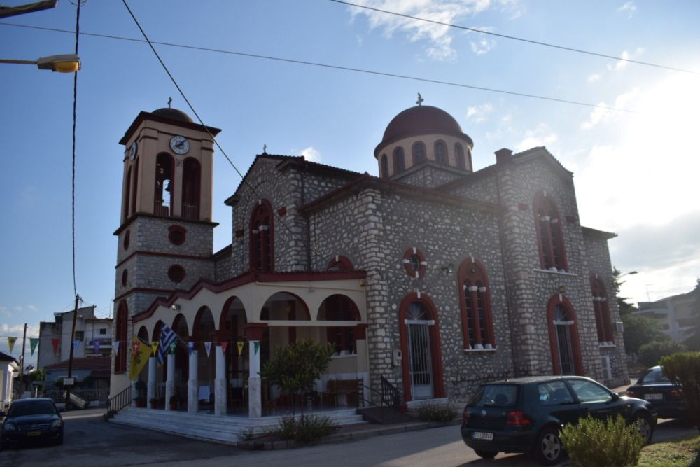 xeirotonia presv theoxaroulis 1 - Χειροτονήθηκε πρεσβύτερος ο π. Μ. Θεοχαρούλης -  θα αναλάβει τις λειτουργικές και πνευματικές ανάγκες στην εκκλησία του Βρυότοπου