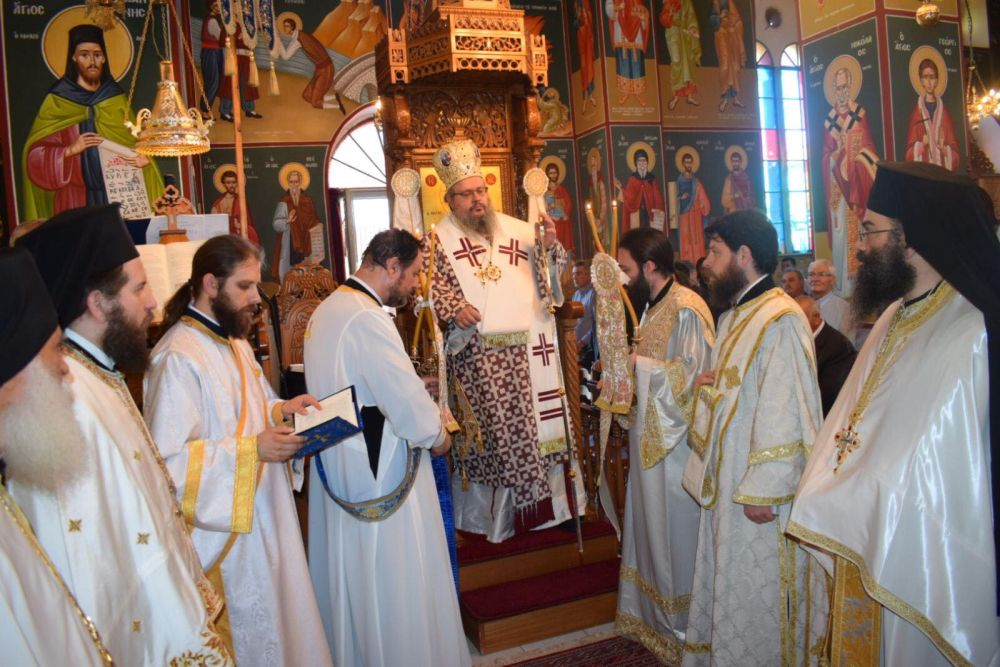 xeirotonia presv theoxaroulis 2 - Χειροτονήθηκε πρεσβύτερος ο π. Μ. Θεοχαρούλης -  θα αναλάβει τις λειτουργικές και πνευματικές ανάγκες στην εκκλησία του Βρυότοπου
