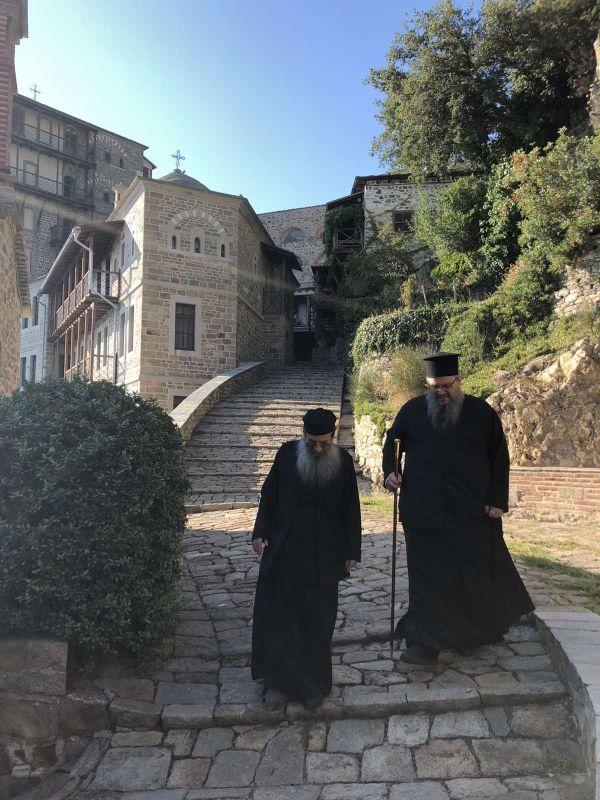 peripatoi simonopetra 2 - Στην Ιερά Μονή του Οσίου Γρηγορίου ο Ποιμενάρχης μας (φωτ)