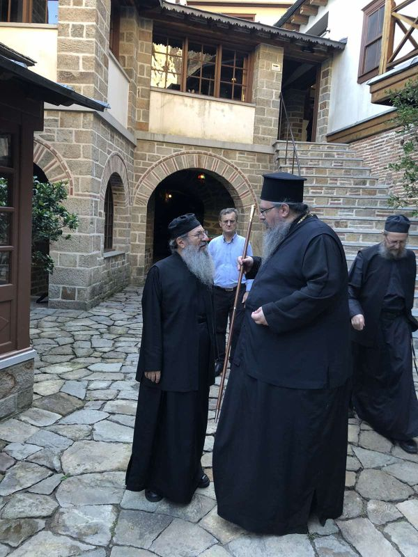peripatoi simonopetra 3 - Στην Ιερά Μονή του Οσίου Γρηγορίου ο Ποιμενάρχης μας (φωτ)