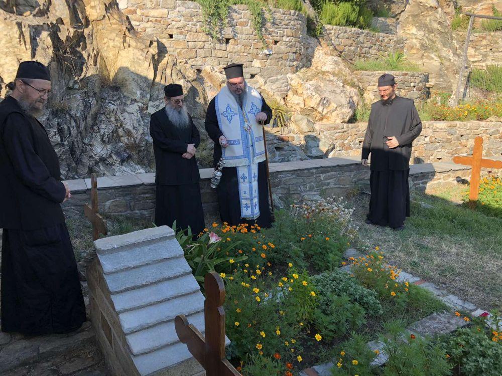 peripatoi simonopetra 4 - Στην Ιερά Μονή του Οσίου Γρηγορίου ο Ποιμενάρχης μας (φωτ)