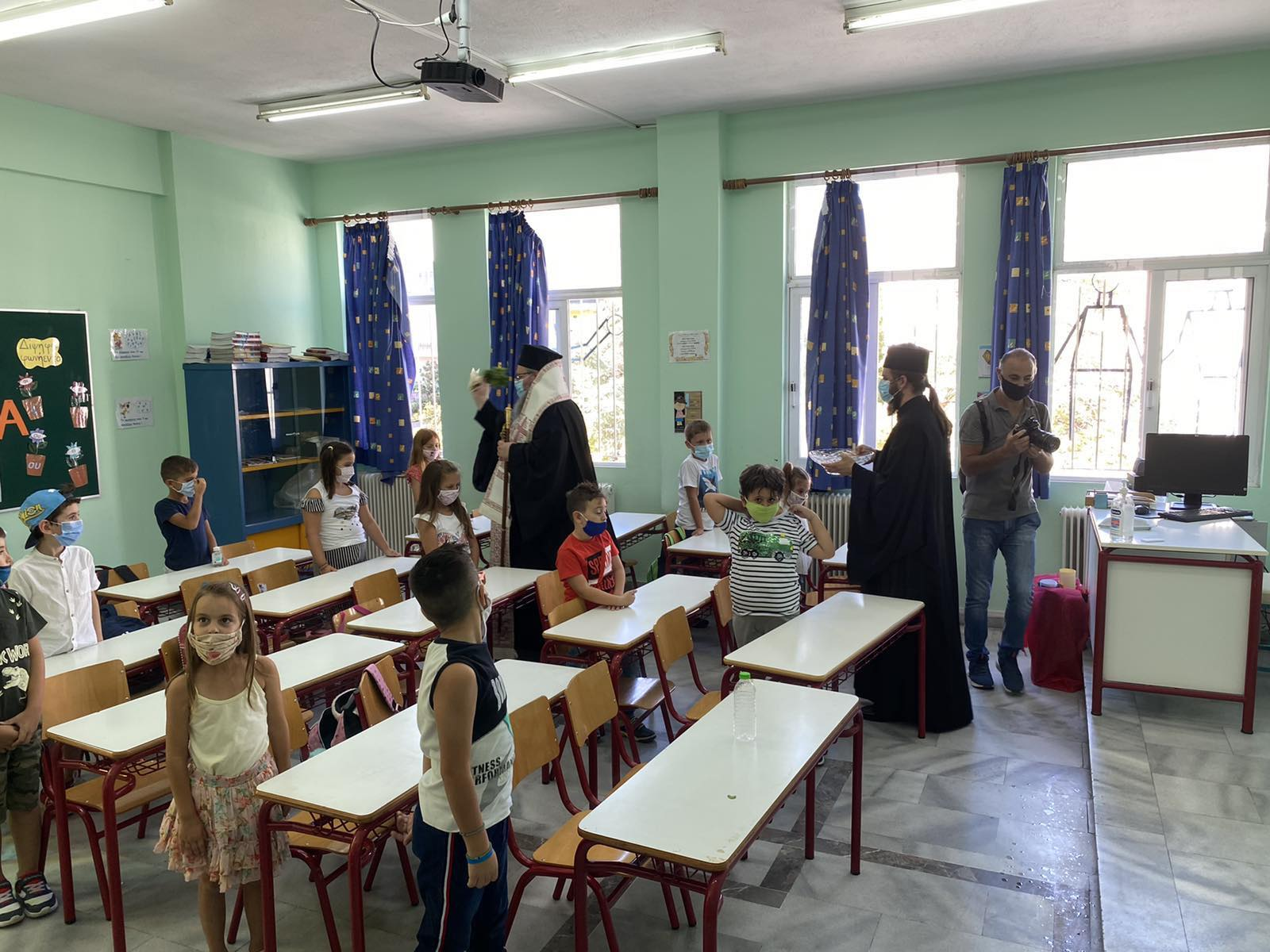 Agiasmoi 2020 7 - Αγιασμούς σε Σχολικές Μονάδες τέλεσε ο Σεβασμιώτατος