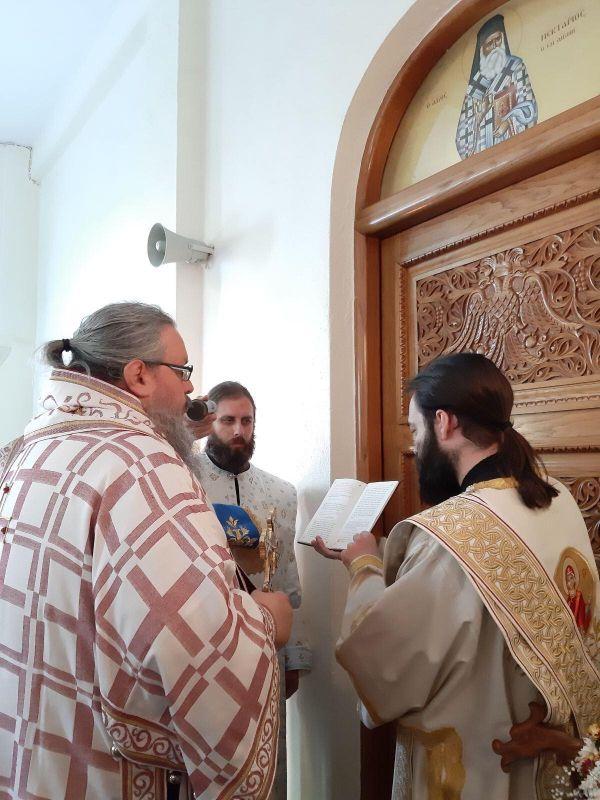 egkainia AgNektarios Nikaia 3 - Εγκαίνια Ιερού Ναού Αγίου Νεκταρίου (φωτο)