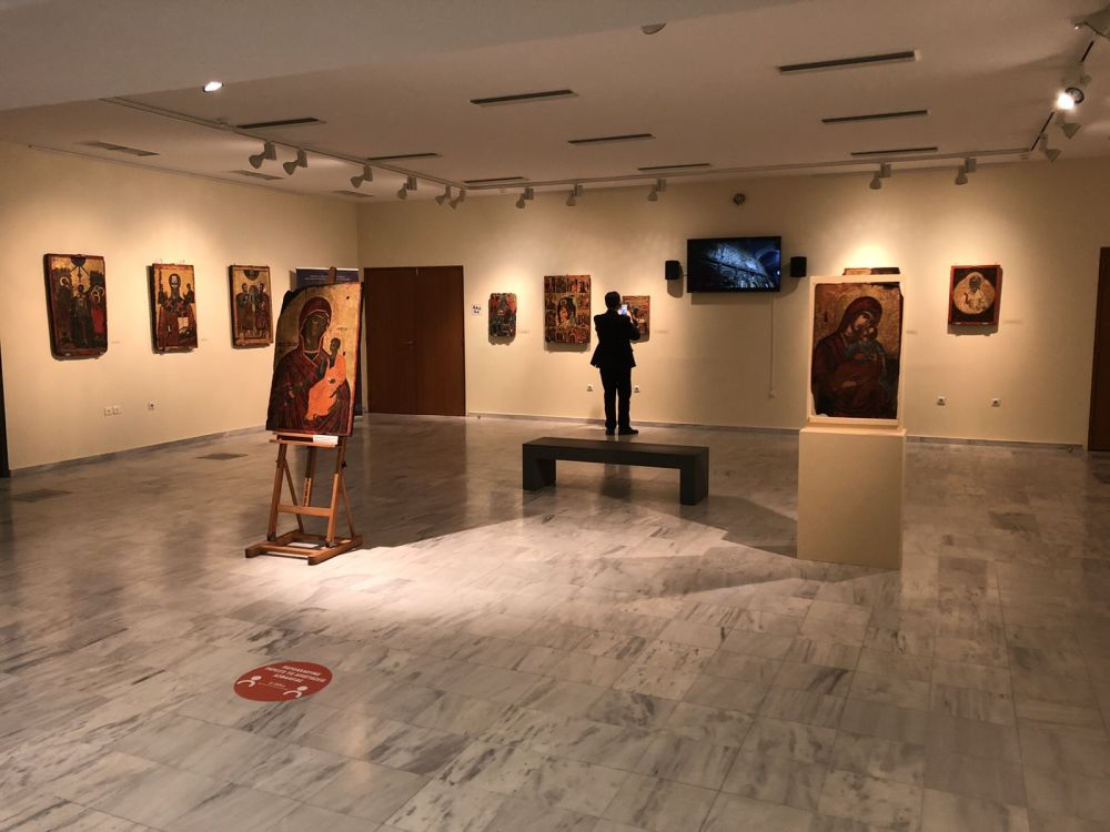 ekthesi diaxroniko panagiafaneromeni Oct20 2 - Έκθεση Εικόνων Παναγίας Φανερωμένης Τυρνάβου (φωτο)
