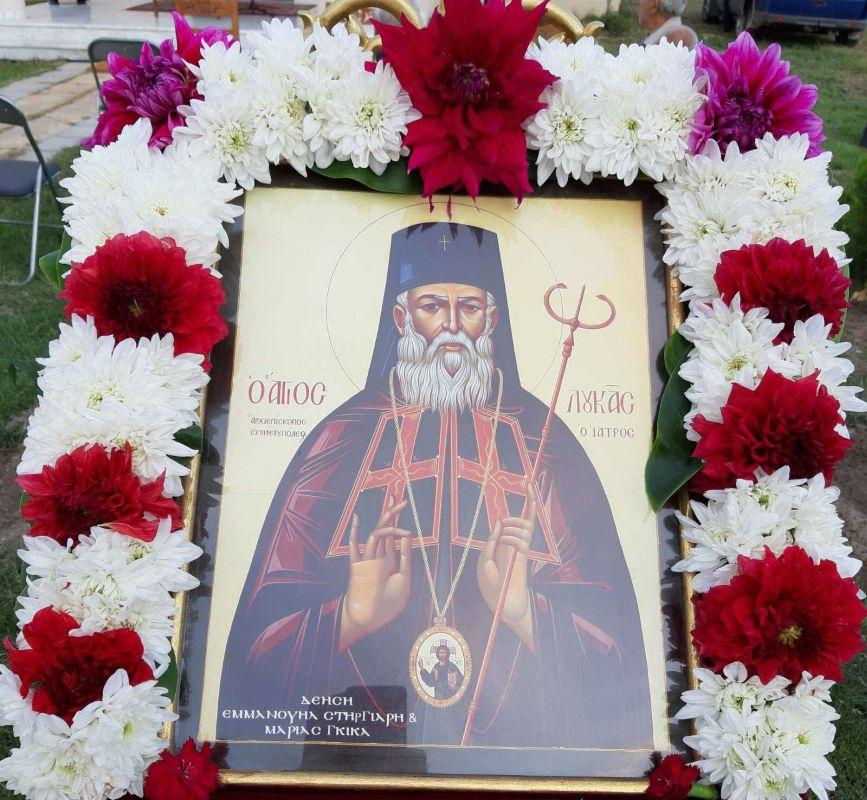 thiranoixia AgLouka Ampelonas 1 - Θυρανοίξια Ι.Ν. Αγίου Λουκά Αρχιεπισκόπου Κριμαίας και Συμφερουπόλεως στον Αμπελώνα (φωτο)
