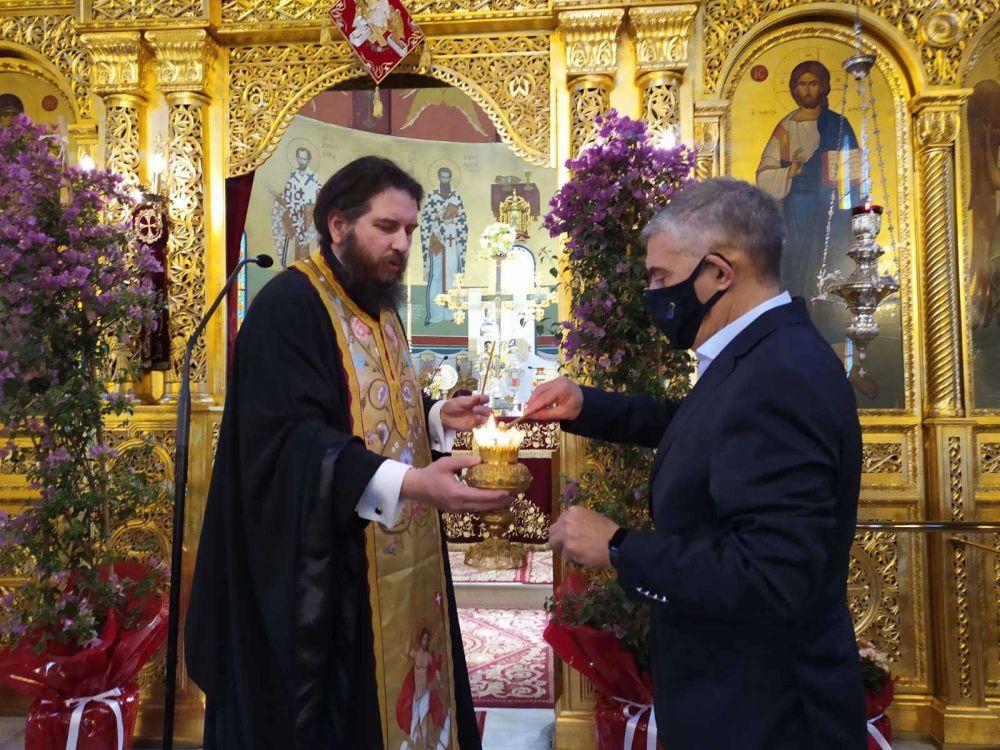 AgioFos 2021 5 - Λάρισα: Ήρθε το Άγιο Φως στον Άγιο Νικόλαο