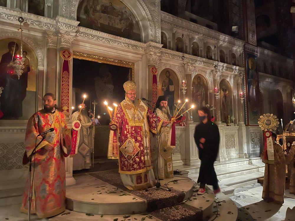 Anastasi 2021 2 1 - Η Ανάσταση στον Ι.Μ.Ν του Αγ. Αχιλλίου Λάρισας (φωτο)