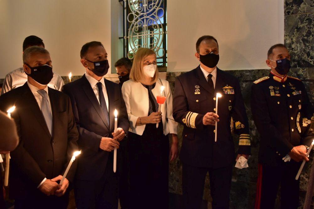 Anastasi 2021 3 1 - Η Ανάσταση στον Ι.Μ.Ν του Αγ. Αχιλλίου Λάρισας (φωτο)
