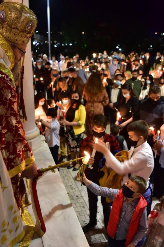 Anastasi 2021 4 1 - Η Ανάσταση στον Ι.Μ.Ν του Αγ. Αχιλλίου Λάρισας (φωτο)